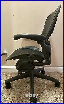 2005 Herman Miller Classic Aeron Office Chair Basic Model B Medium Size