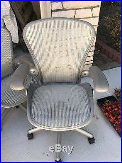 6 herman miller aeron chairs