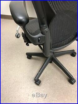HERMAN MILLER AERON fully adjustable SIZE B MEDIUM BLACK. Aeron Chair