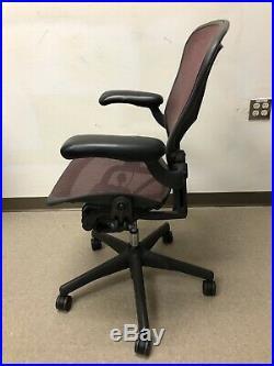 HERMAN MILLER AERON fully adjustable SIZE B MEDIUM Dark Red / Maroon Aeron Chair