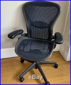 HERMAN MILLER Aeron Office Executive Chair Blue Mesh Size B
