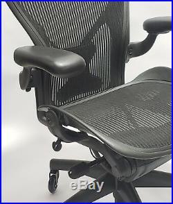 Herman Miller AERON Chair Fully Adjustable Posturefit Headrest Soft Casters