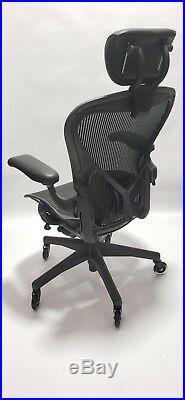 Herman Miller AERON Chair Size C Posturefit Headrest Soft Casters