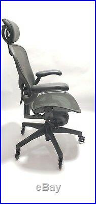 Herman Miller AERON Chair Size C Posturefit Headrest Soft Casters Gray Mesh