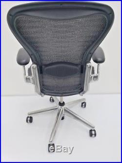 Herman Miller AERON EXECUTIVE polished SIZE B grey/black TUXEDO Fully Adjustable