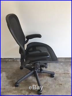 Herman Miller AERON LARGE SIZE C Ergonomic Computer Mesh Chair Fully Adjustable