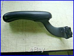 Herman Miller Aeron Adjustable Arm Rests With Pads LH & RH Size B Graphite
