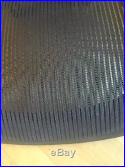 Herman Miller Aeron B Size Lillac / Grey mesh set