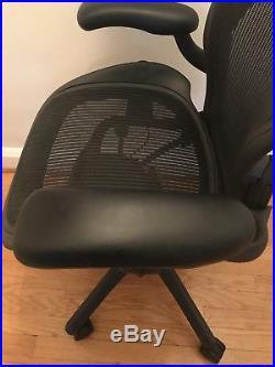 Herman Miller Aeron Chair B Office Task Chair (Medium) withlumbar pickup/no ship