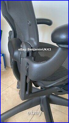 Herman Miller Aeron Chair Excellent Condition Size B Fully Adjustable