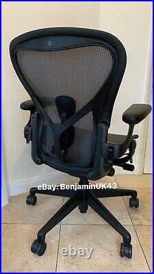 Herman Miller Aeron Chair Remastered GAMING Model 2021 Size B Fully Loaded