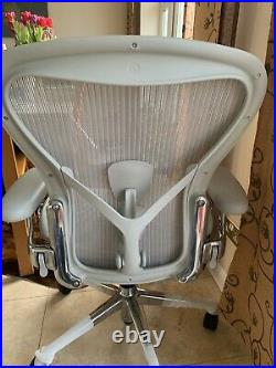 Herman Miller Aeron Chair Size B 2020 Excellent Condition Mineral Grey CHROME