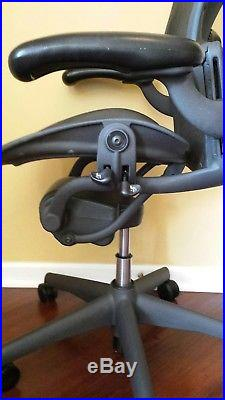 Herman Miller Aeron Chair Size B Fully Loaded, Fully Adjustable Executive Chair