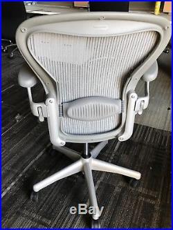 Herman Miller Aeron Chair Size B Good condition