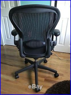 Herman Miller Aeron Chair Size B Medium Fully Adjustable Graphite Frame w Lumbar