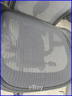 Herman Miller Aeron Chair Size C Model aer1c23dwalpg1g1g1bbbk23103