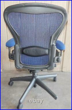 ^^ Herman Miller Aeron Chair Size Medium- Blue (hm-37)