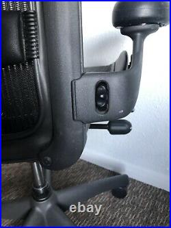 Herman Miller Aeron Classic Size B Graphite Lumbar Wheel Arms Adj & Forward Tilt