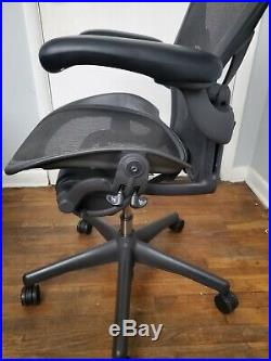Herman Miller Aeron Fully Loaded Office Chair Sz B With Posture Fit