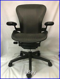 Herman Miller Aeron Graphite Desk Office Chair Adjustable Size B Small Blemishs