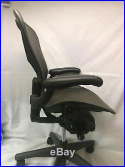 Herman Miller Aeron Graphite Mesh Office Chair Adjustable Size B Ex Condition