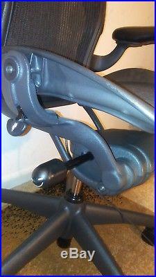 Herman Miller Aeron Mesh Adjustable Office Chair Black Size B Very Comfortable