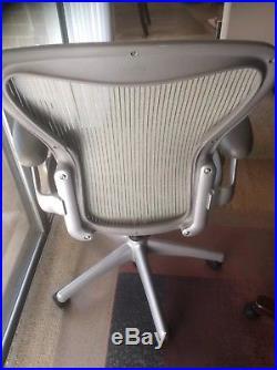 Herman Miller Aeron Mesh Office Chair Metal Slvr Color Sz B Adjustable