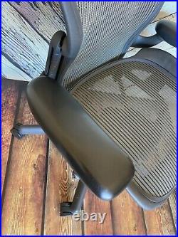 Herman Miller Aeron Mesh Office Desk Chair Medium Size B Adjustable Lumbar