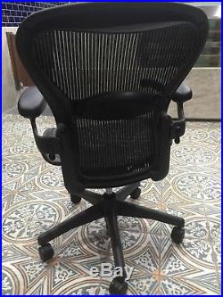 Herman Miller Aeron Mesh Office Desk Chair Medium Size B (B10) Adjustable Lumbar