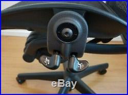 Herman Miller Aeron Mesh Office Desk Chair Medium Size B adjustable with lumbar