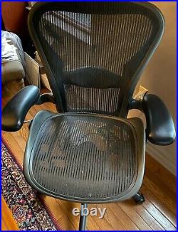 Herman Miller Aeron Mesh Office Desk Chair Medium Size B fully adjustable