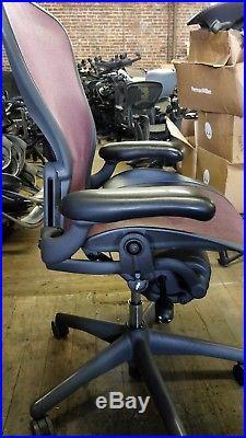 Herman Miller Aeron Mesh Office Desk Chair Medium Size B fully adjustable lumbar