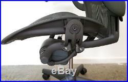 Herman Miller Aeron Mesh Office Desk Chair Medium Size C adjustable with lumbar