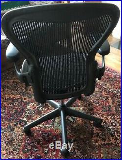 Herman Miller Aeron Office Chair AE111AWB. Graphite, Size B