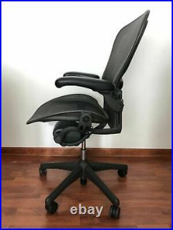 Herman Miller Aeron Office Chair, Graphite, Size C (Large) Used