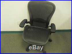 Herman Miller Aeron Office Chair Size C Graphite Frame Classic Carbon Mesh #AE-1