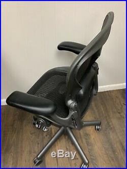 Herman Miller Aeron Office Chair Wow Graphite Size B Fully Loaded Refurbished