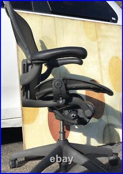 Herman Miller Aeron Office Classic Arm Chair Black B