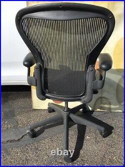 Herman Miller Aeron Office Classic Arm Chair Black B swivel