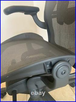 Herman Miller Aeron Remastered Chair Size B Graphite