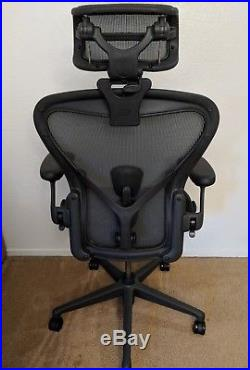 official photos 861bf 20e16 Herman Miller Aeron Remastered fully loaded with headrest ...