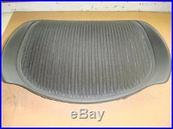 Herman Miller Aeron Seat Pan Size B Graphite Frame Standard Black Fabric