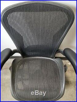 Herman Miller Aeron Size B Adjustable Ergonomic Black Office Desk Chair AE113AWB