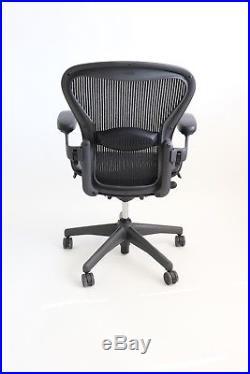 Herman Miller Aeron Size B (medium) Chair Graphite / Black, Fully Adjustable