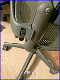 Herman Miller Aeron Titanium / Gray - Size B
