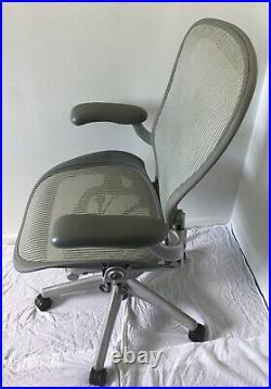 Herman Miller Aeron Titanium (Silver/Grey) PostureFit Mesh Chair Size B 3V03