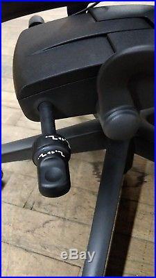 Herman Miller Aeron remastered Mesh Desk Chair Medium Size B fully adj with lumbar