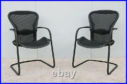 Herman Miller Ergonomic Aeron Side Guest Chairs Size B A pair
