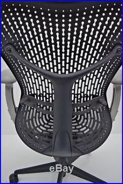 Herman Miller Mirra Task Chair semi ADJUSTABLE GRAPHITE SEAT & BACK aeron leap